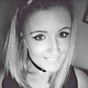 Leanne-Headshot